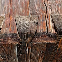 Zwaluwstaartverbinding in de meubelmakerij